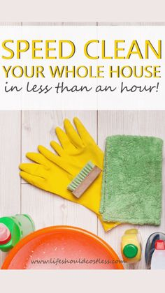 Cleaning Crew, House Cleaning Checklist, Clean House Schedule, Speed Cleaning, Car Cleaning Hacks, Household Cleaning Tips, Household Cleaners, Diy Cleaning Products, Cleaning Solutions