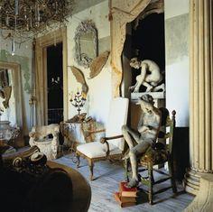 L'appartamento dell'antiquaria Silvia Petroccia a Baires.      http://www.marieclaire.it/Casa/Covo-delle-meraviglie/Tesoro-barocco