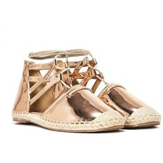 Nasty Gal Outshine Strappy Espadrille (76 BRL) ❤ liked on Polyvore featuring shoes, sandals, rose gold, rose gold shoes, rose gold metallic shoes, braided ankle-wrap sandal, strap sandals and wrap sandals