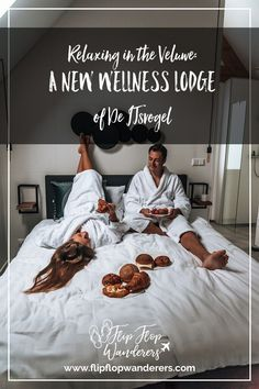 Relaxing in the Veluwe is perfect to do in the Netherlands and we did in the Wellness Lodge of de IJsvogel. In this blog, we'll tell you all about our stay. #wellnesslodge #veluwe #netherlands #veluweaccommodation #ijsvogel #wheretostay Large Bathtubs, Big Living Rooms, Big Bedrooms, Find Cheap Flights, Snack Bar, The Province, Getting Bored, Amusement Park