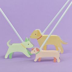 Take these adorable dogs for a walk on recycled plastic straws! Puppy Crafts, Baby Crafts, Diy Craft Projects, Projects For Kids, Straw Crafts, Toy Hammock, Diy Doll Miniatures, Paper Animals, Fall Crafts For Kids