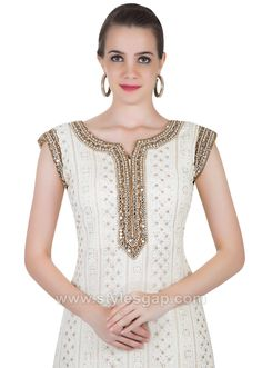 Indian Paksitani Stylish & Best Neckline Gala Designs for Asian Girls 2020 Collection for Asian Women consists of simple casual, heavy formal neck styles Asian Woman, Asian Girl, Gala Design, Neckline Designs, Neck Pattern, Pakistani, Indian, Kurtis, Formal