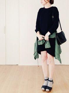 ブラックドレス×ブルゾン