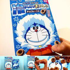 Doraemon Snack Chocolate .  Disfruta de los cambios en la textura de crujiente a una sensación de frescor con este delicioso snack de Doraemon. .  Desde la caja Samurai. .  www.boxfromjapan.com . #doraemon  #BFJMayo  #boxfromjapan  #snack