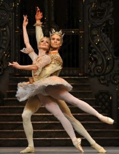 Lauren Cuthbertson as the Sugar Plum Fairy and Cory Stearns as the Prince in the Royal Ballet's The Nutcracker at the Royal Opera House Covent Garden in London. Dance Art, Ballet Dance, Ballet Skirt, Royal Opera House London, Sugar Plum Fairy, Rich Image, Royal Ballet, Dance Pictures, Photo Library