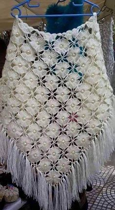 Chal de Flores a Crochet. //  HOW BEAUTIFUL! ♥A
