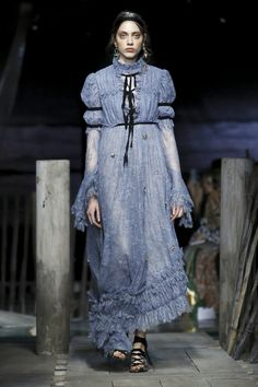 Erdem Fashion Show Ready to Wear Collection Spring Summer 2017 in London