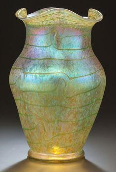 MONUMENTAL LOETZ ART NOUVEAU IRIDESCENT GLASS Vase