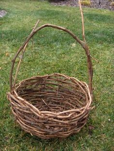 How to make a grape vine basket.