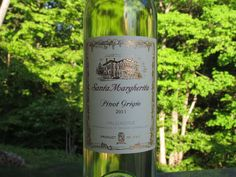 Santa Margherita Pinot Grigio Review - This wine's flavor really pops!