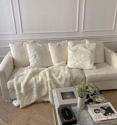 Living Room Decor, Living Spaces, Bedroom Decor, Comfy Bedroom, Teen Bedroom, Bedroom Inspo, Dream Bedroom, Entryway Decor, Living Rooms