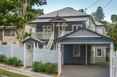 As a leading Queenslander Renovation builders, Corella Construction pride themse. - House Plans, Home Plan Designs, Floor Plans and Blueprints Queenslander House, Weatherboard House, Deck Framing, Carport Designs, Carport Ideas, House Plans One Story, Rustic Apartment, Facade House, House Facades