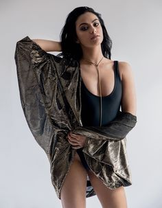 Camila Mendes Hot – 10 Lesser Known Facts About Veronica Lodge From Riverdale Camila Mendes Veronica Lodge, Camila Mendes Riverdale, Mode Rihanna, Rihanna Fenty, Camilla Mendes, Riverdale Cast, Mode Chic, Male Magazine, Hot Actresses