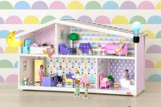 New Lundby doll house with interchangeable decor