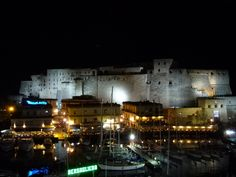 """Camera di """"Grand Hotel Santa Lucia"""", Napoli Italia (Maggio)"""