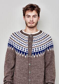 Ravelry: 42 Norske Kofter fra Lindesnes til Nordkapp - patterns Ravelry, Men Sweater, Mens Fashion, Knitting, Sweaters, Design, Arrow Keys, Close Image, Patterns