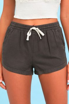 Hang your hammock in shady spot and kick back in the Coconut Tree Nude Drawstring Shorts! Cotton-blend high-waisted shorts and frayed hems. Shorts Outfits Women, Summer Shorts Outfits, Short Outfits, Gym Shorts Womens, Casual Outfits, Party Outfits, Outfit Summer, Girl Outfits, Nude Shorts