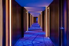 Guest Room Hallway/W CHICAGO - LAKESHORE