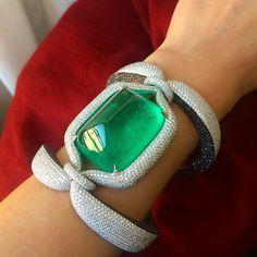 138cts Sugarloaf Colombian Emerald bracelet #emerald