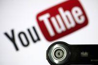 Deux parents perdent la garde de leurs enfants... à cause de vidéos YouTube                                                                                 Dans leurs canulars filmés, les enfants étaient régulièrement pous... http://lexpansion.lexpress.fr/high-tech/deux-parents-perdent-la-garde-de-leurs-enfants-a-cause-de-videos-youtube_1904907.html