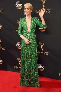 Sarah Paulson Brings the Real-Life Marcia Clark to the Emmy Awards