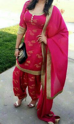Beautiful Designer Salwar Suit with Heavy Dupatta For College Girls Punjabi Salwar Suits, Punjabi Dress, Pakistani Dresses, Indian Dresses, Indian Outfits, Salwar Kameez, Patiala Dress, Anarkali Dress, Western Dresses