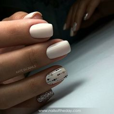 Discover recipes, home ideas, style inspiration and other ideas to try. Round Nail Designs, Acrylic Nail Designs, Stylish Nails, Trendy Nails, Nail Desighns, Beige Nails, White Acrylic Nails, Nails 2018, Round Nails