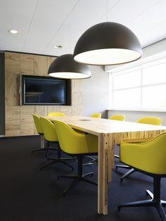 Tafel Replex, blikvanger in de kantoorruimte. Hier toegepast door Hal2.