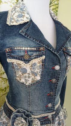 Féminines embelli remodelée Denim Jacket par MiaBellaOriginalBags