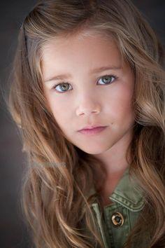 Brooklyn Rae Silzer (Emma)