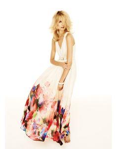 Une robe légère imprimée