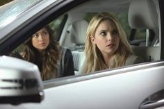 """#PLL 5x02 """"Whirly Girlie"""" - Emily and Hanna"""