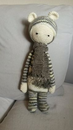 BINA the bear made by Melanie K. / crochet pattern by lalylala