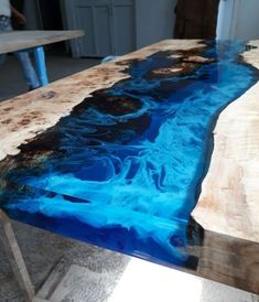 Poplar wood epoxy resin table made in turkey Black epoxy resin table / recycled wood … Nice! 💕DIY Resin River Table with Clear Epoxy Casting ReEpoxy resin table Epoxy Wood Table, Epoxy Resin Table, Wood Tables, Art Resin, Resin Crafts, Woodworking Furniture Plans, Woodworking Projects, Woodworking Wood, Wood Table Design
