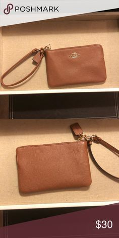 c395b5f358a8 💥Coach Crossgrain Leather Corner Zip Wristlet 💥 💥💥💥💥Tan Crossgrain leather  with