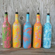 Hand Painted Wine bottle Olive Oil Pourer, Candy Apple Green and Bright Pink, Floral design, Olive Oil Dispenser Add some color to your kitchen! Wine Bottle Vases, Empty Wine Bottles, Glass Bottle Crafts, Painted Wine Bottles, Bottles And Jars, Crafts With Wine Bottles, Decorating Wine Bottles, Olive Oil Dispenser, Wine Dispenser