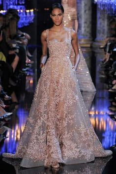 la plus belle robe longue soiree en dentelle