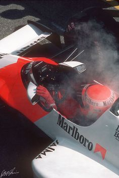 Absolutely gorgeous shot of an 80s F1 racer.
