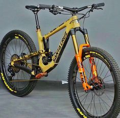 21 Super ideas for downhill mountain bike gear Downhill Bike, Mtb Bike, Cycling Bikes, Mtb Enduro, Freeride Mtb, All Mountain Bike, Montain Bike, E Skate, Motocross