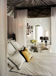 nice canopy bed