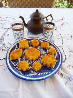 Pastas de sémola con miel y té a la menta. Fueron los dulces del menú Sabores del Magreb.