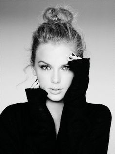 Taylor Swift in Vogue. Beautiful black and white portrait. Pretty People, Beautiful People, Beautiful Person, Simply Beautiful, Portrait Studio, Actrices Hollywood, Taylor Alison Swift, My Idol, Portrait Photography