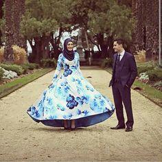 Printed floral blue, muslim bride