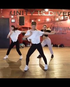 Choreographed by Kyle Hanagami Ballet Dance Videos, Hip Hop Dance Videos, Dance Workout Videos, Dancer Workout, Dance Music Videos, Dance Tips, Dance Choreography Videos, Dance Poses, Dance It Out