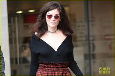 lorde professes her love for creme eggs 01