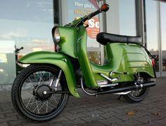 Vintage Bikes, Vintage Cars, Simson Motor, Lanz Bulldog, Mini Chopper, Honda Cub, Motorized Bicycle, Cafe Racer Bikes, Motor Scooters