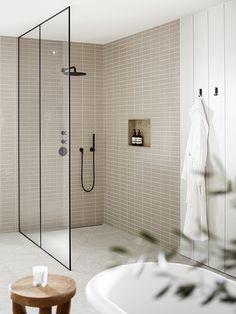 Bathroom goals via . Timeless Bathroom, Beige Bathroom, Bathroom Renos, Laundry In Bathroom, Beautiful Bathrooms, Bathroom Inspiration, Home Decor Inspiration, Decor Ideas, Bathroom Goals