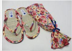 REFERENCIA 442 FLORAIS <br>Sandália com palmilha natural de palha de junco. <br>Tiras em tecido de algodão, com solado em E.V.A. de 6 mm. <br>Estampas variadas: florais, poás e lisos. <br>ATENÇÃO: EMBALAGEM A PARTE <br> <br>PREÇOS DE 50 A 150 PARES <br> <br>EMBALAGEM DE TECIDO SAQUINHO CONFORME ANUNCIO R$3,80 cada não tem impressao na embalagem somente no chinelo <br>ANUNCIO VENDA APENAS DO CHINELO SEM EMBALAGEM