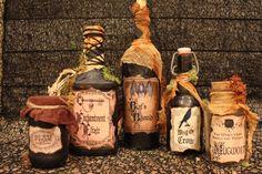 Halloween Apothecary Labels, Halloween Potion Bottles, Halloween Labels, Halloween Displays, Halloween Goodies, Halloween Projects, Diy Halloween Decorations, Vintage Halloween, Halloween Spell Book