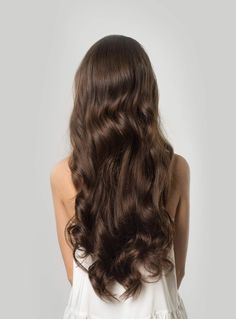 The Chocolate Brown shade is gorgeous and rich, just like the dessert it was named after. This shade has red and golden undertones. Instantly transform your hair with Chocolate Brown clip-in Luxy Hair